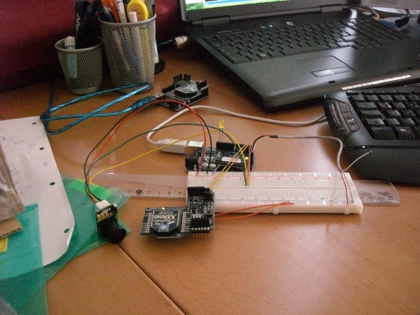 Driving a Cmos Camera with a PIC32 Microchip